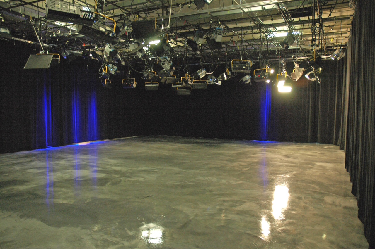 NM PBS New Studio Floor-MiraFlor Metallux & CQ Epoxy 8-30-13_7214a_(1)